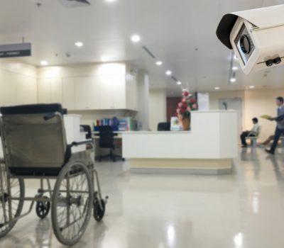 Patient rastet aus und verletzt Rettungssanitäterin in Krankenhaus schwer